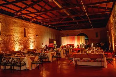 01_chateau-bela_hotel-chateau-bela_jimmy-choo_arioso-budapest_eskuvoi-fotos_jurajzsok_svadobny-fotograf_wedding-photographer_005-large.jpg