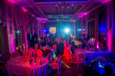01_chateau-bela_hotel-chateau-bela_jimmy-choo_arioso-budapest_eskuvoi-fotos_jurajzsok_svadobny-fotograf_wedding-photographer_014-large.jpg
