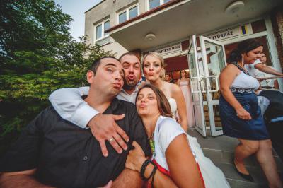 http://www.fotoz.sk/images/category-3/normal/eskuvoii-fotos_svadobny-fotograf_juraj_zsok_075.jpg