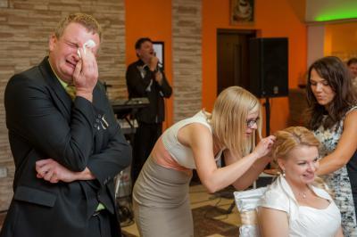 http://www.fotoz.sk/images/category-3/normal/eskuvoii-fotos_svadobny-fotograf_juraj_zsok_106.jpg