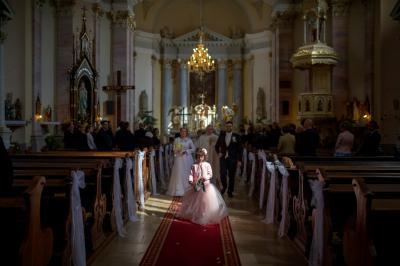 http://www.fotoz.sk/images/category-3/normal/eskuvoii-fotos_svadobny-fotograf_juraj_zsok_121.jpg