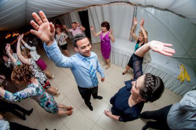 http://www.fotoz.sk/images/category-3/normal/eskuvoii-fotos_svadobny-fotograf_juraj_zsok_147.jpg