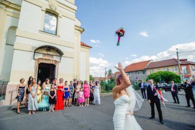 http://www.fotoz.sk/images/category-3/normal/eskuvoii-fotos_svadobny-fotograf_juraj_zsok_245.jpg