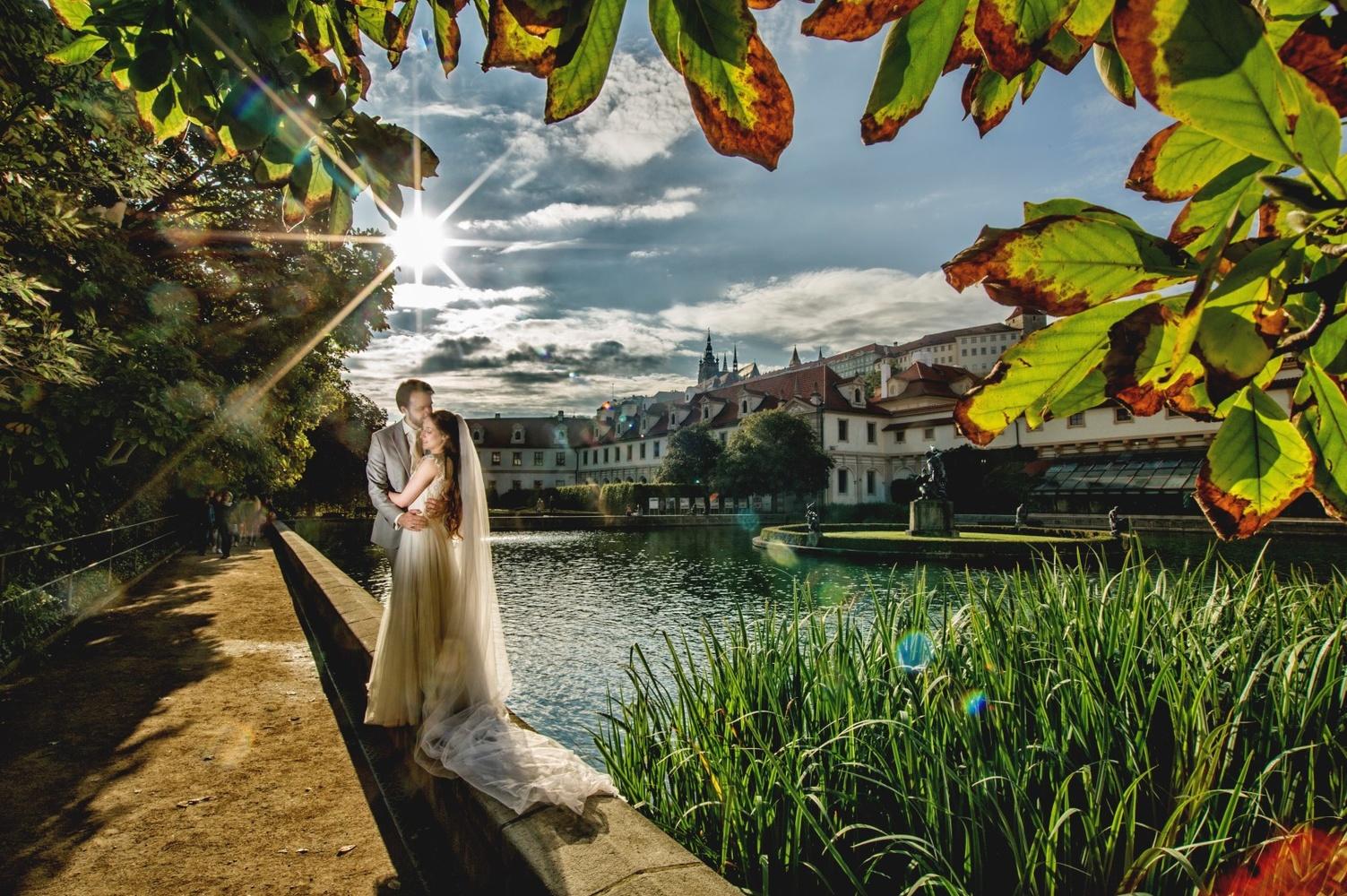 http://www.fotoz.sk/images/category-4/normal/eskuvoi-fotos_svadobny-fotograf_juraj_zsok_001.jpg
