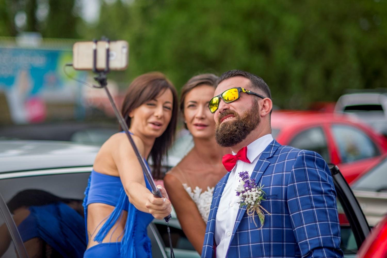 http://www.fotoz.sk/images/gallery-10/normal/eskuvoi-fotozas_svadobne-fotenie_633.jpg