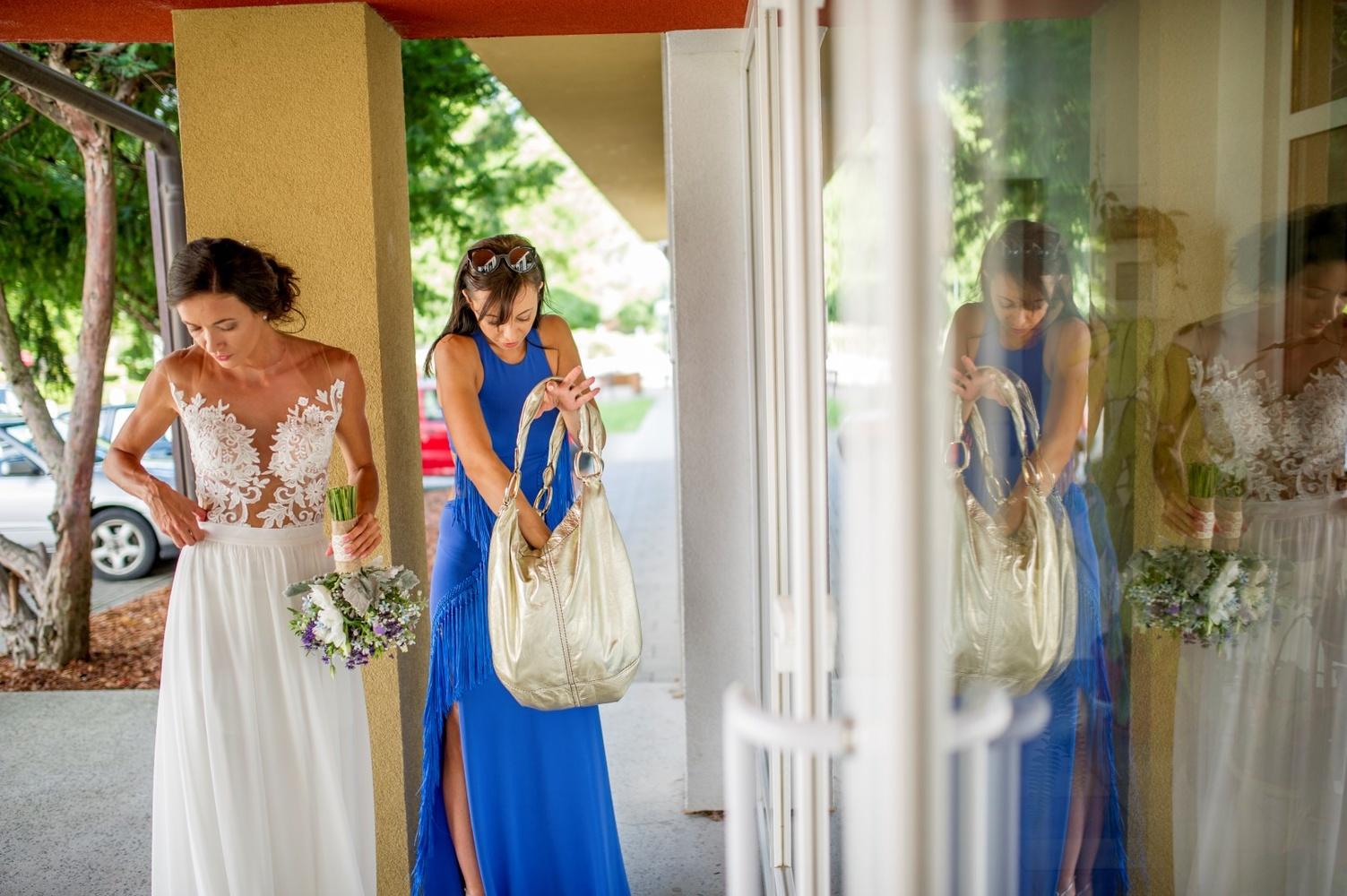 http://www.fotoz.sk/images/gallery-10/normal/eskuvoi-fotozas_svadobne-fotenie_636.jpg