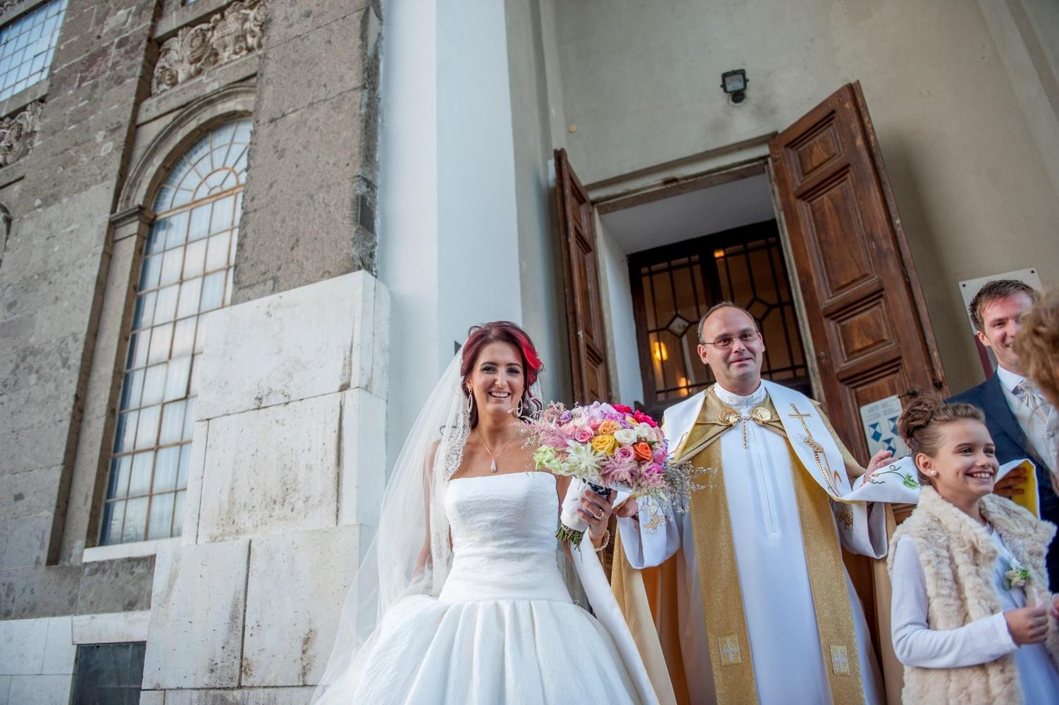 http://www.fotoz.sk/images/gallery-12/normal/svadba_hotel-chateau-bela_095.jpg
