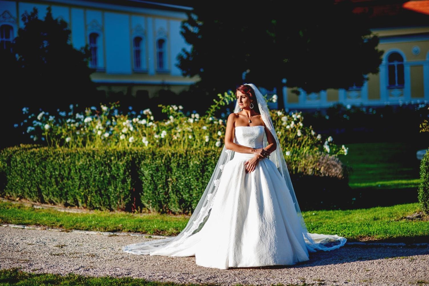 http://www.fotoz.sk/images/gallery-12/normal/svadba_hotel-chateau-bela_224.jpg