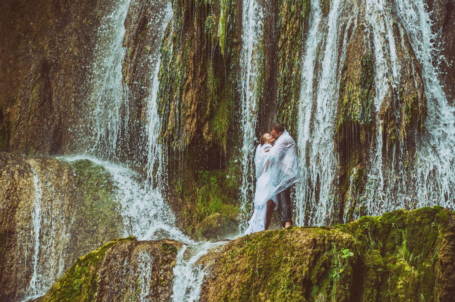 http://www.fotoz.sk/images/gallery-13/normal/eskuvo_vintop-karko_317.jpg