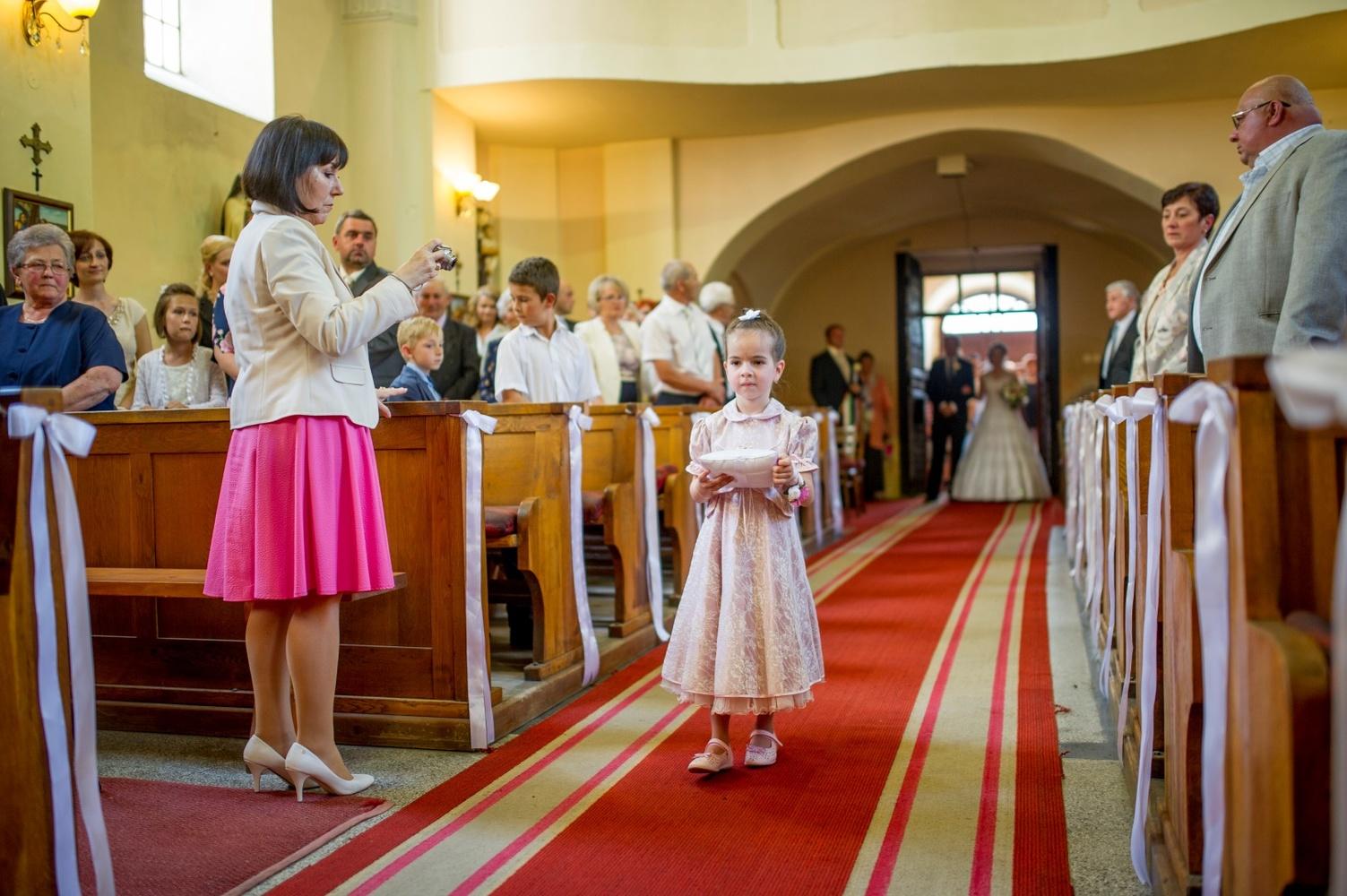 http://www.fotoz.sk/images/gallery-18/normal/eskuvo-fotozas_svadobne-fotenie_425.jpg