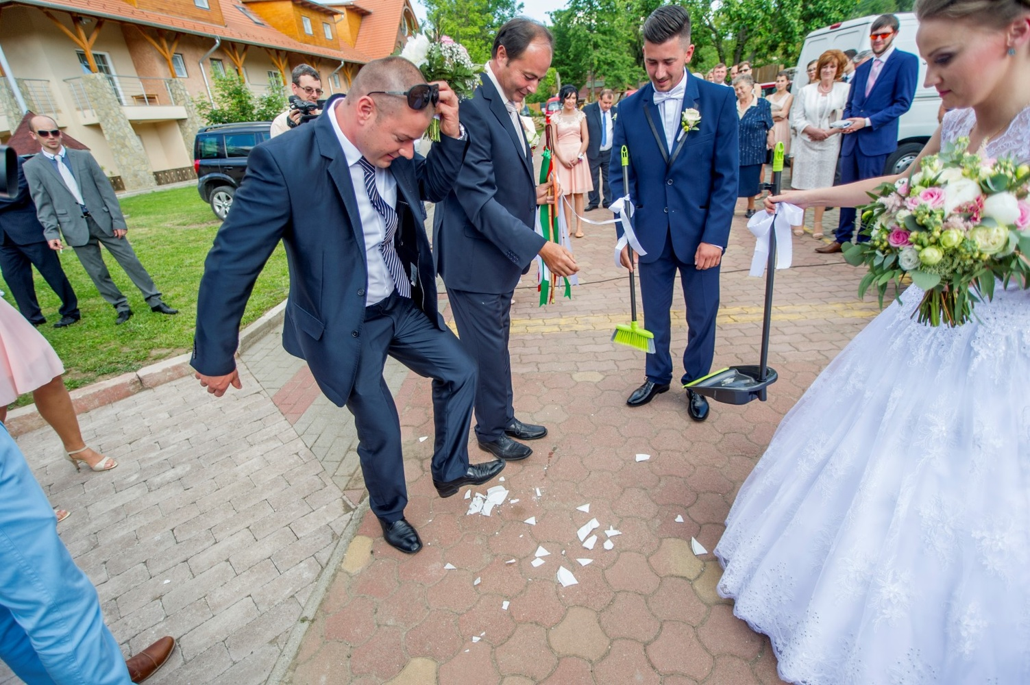 http://www.fotoz.sk/images/gallery-18/normal/eskuvo-fotozas_svadobne-fotenie_509.jpg