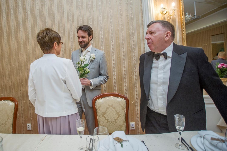 http://www.fotoz.sk/images/gallery-21/normal/eskuvoi-fotos_svadobny-fotograf_154.jpg