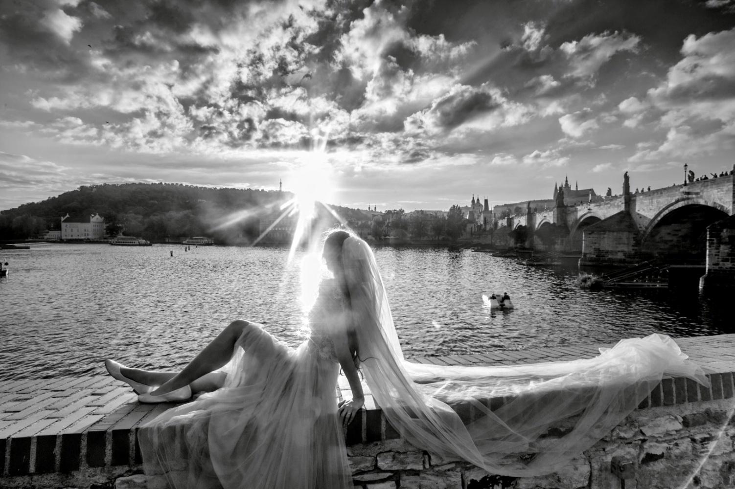 http://www.fotoz.sk/images/gallery-21/normal/eskuvoi-fotos_svadobny-fotograf_247.jpg