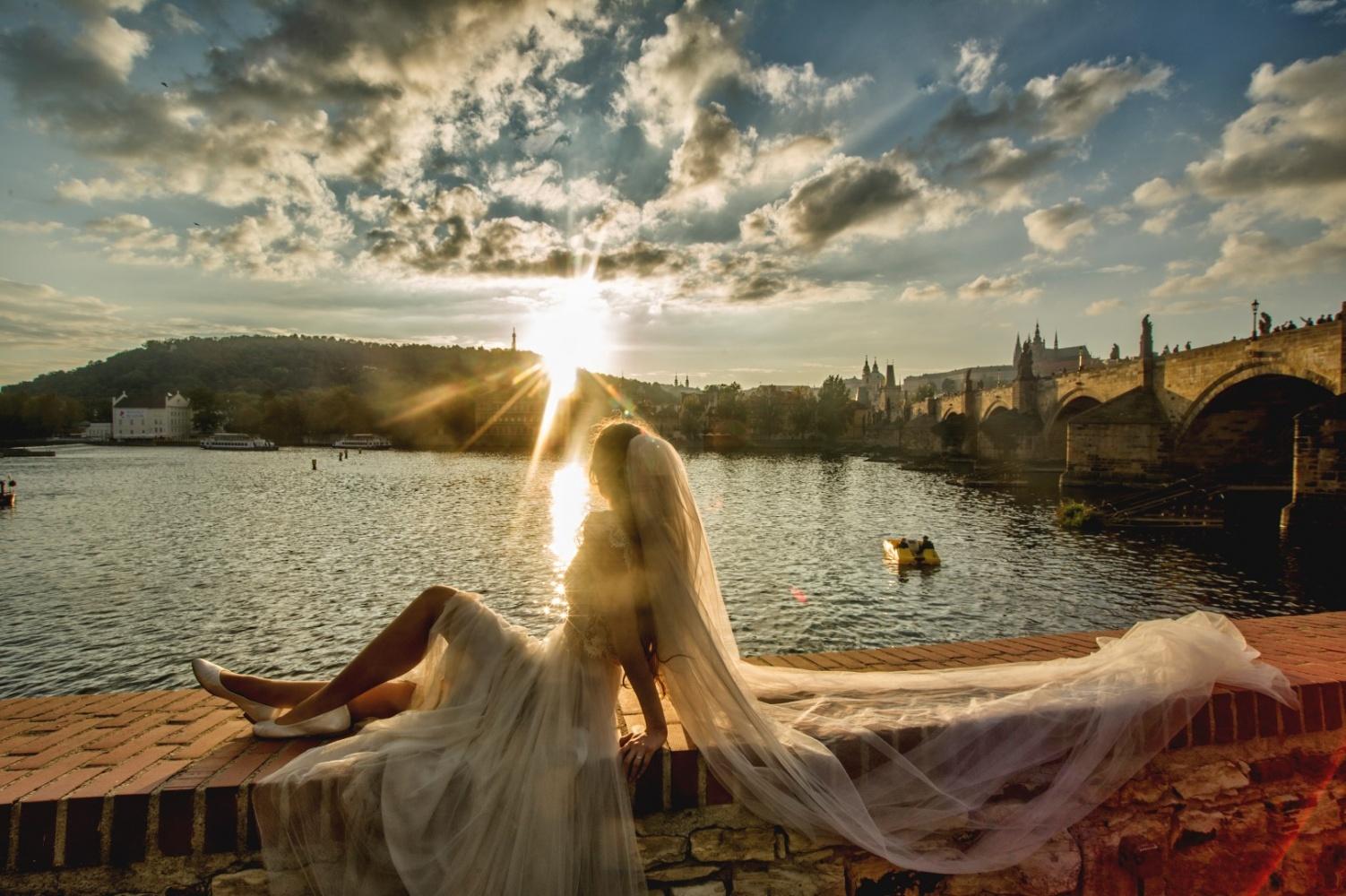 http://www.fotoz.sk/images/gallery-21/normal/eskuvoi-fotos_svadobny-fotograf_262.jpg