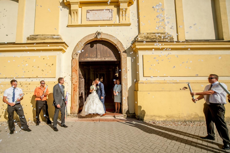 http://www.fotoz.sk/images/gallery-21/normal/svadobne-fotenie_eskuvoi-fotos_161.jpg