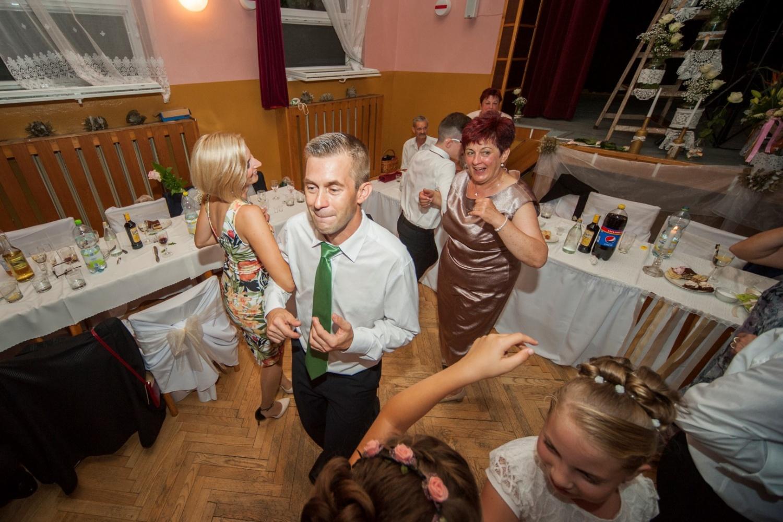 http://www.fotoz.sk/images/gallery-21/normal/svadobne-fotenie_eskuvoi-fotos_322.jpg