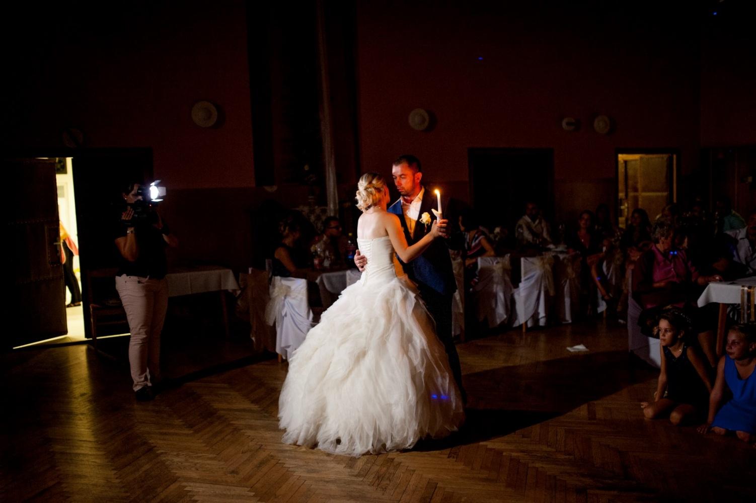 http://www.fotoz.sk/images/gallery-21/normal/svadobne-fotenie_eskuvoi-fotos_366.jpg