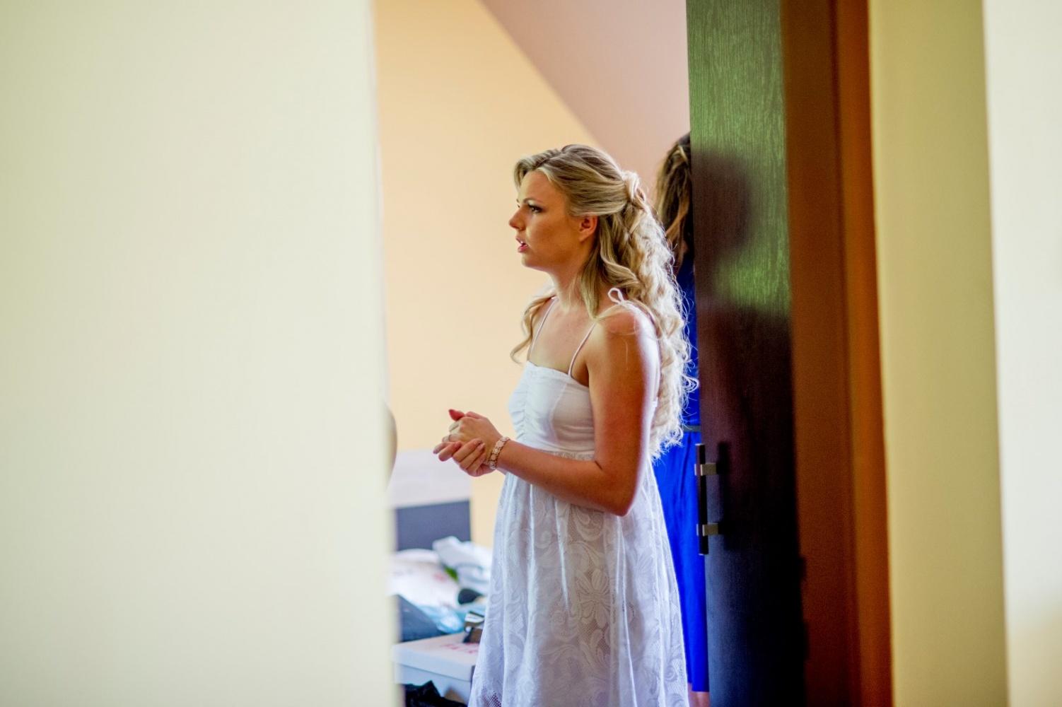 http://www.fotoz.sk/images/gallery-22/normal/eskuvoi-fotos_svadobny-fotograf_324.jpg
