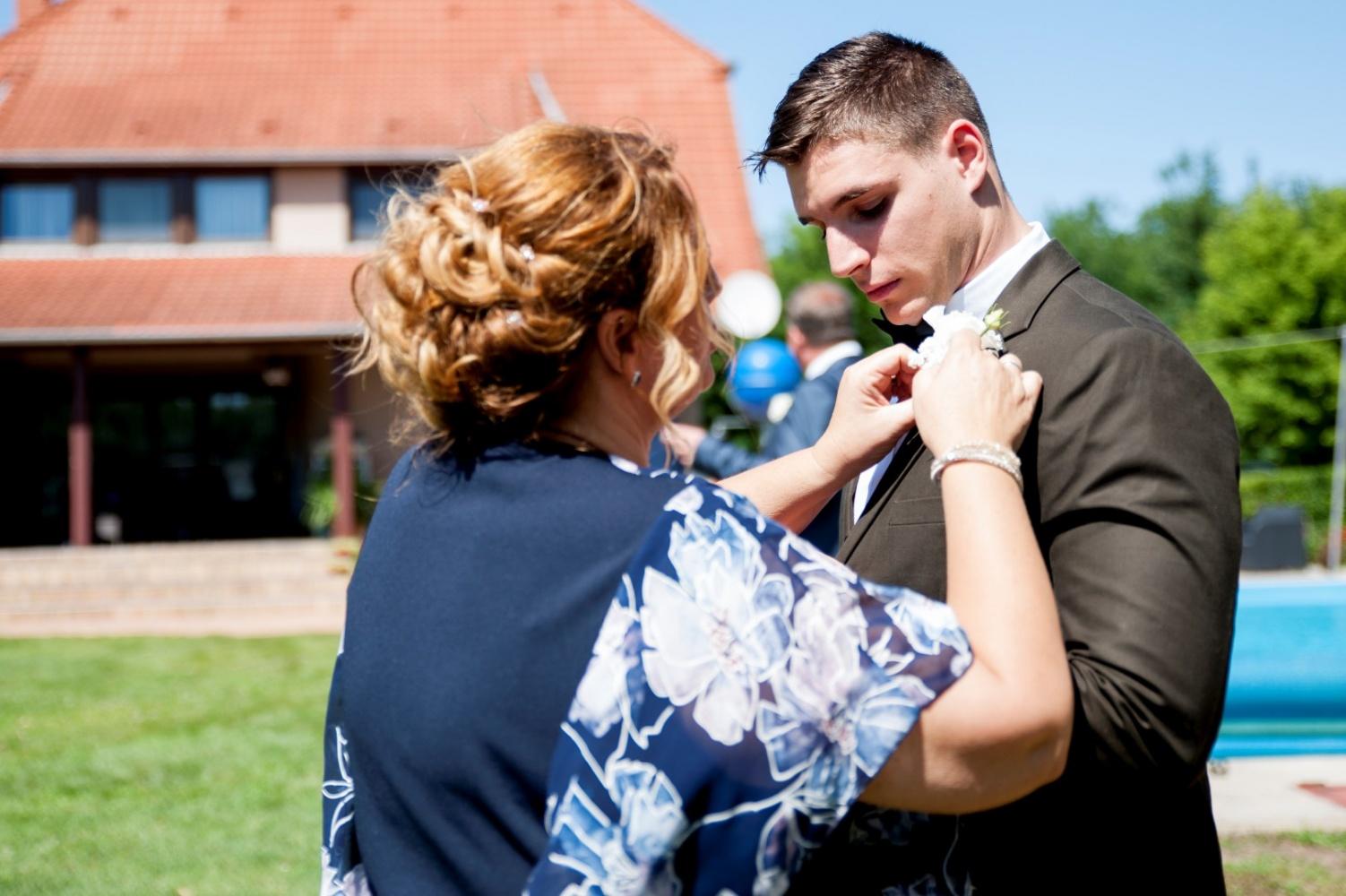 http://www.fotoz.sk/images/gallery-22/normal/eskuvoi-fotos_svadobny-fotograf_357.jpg