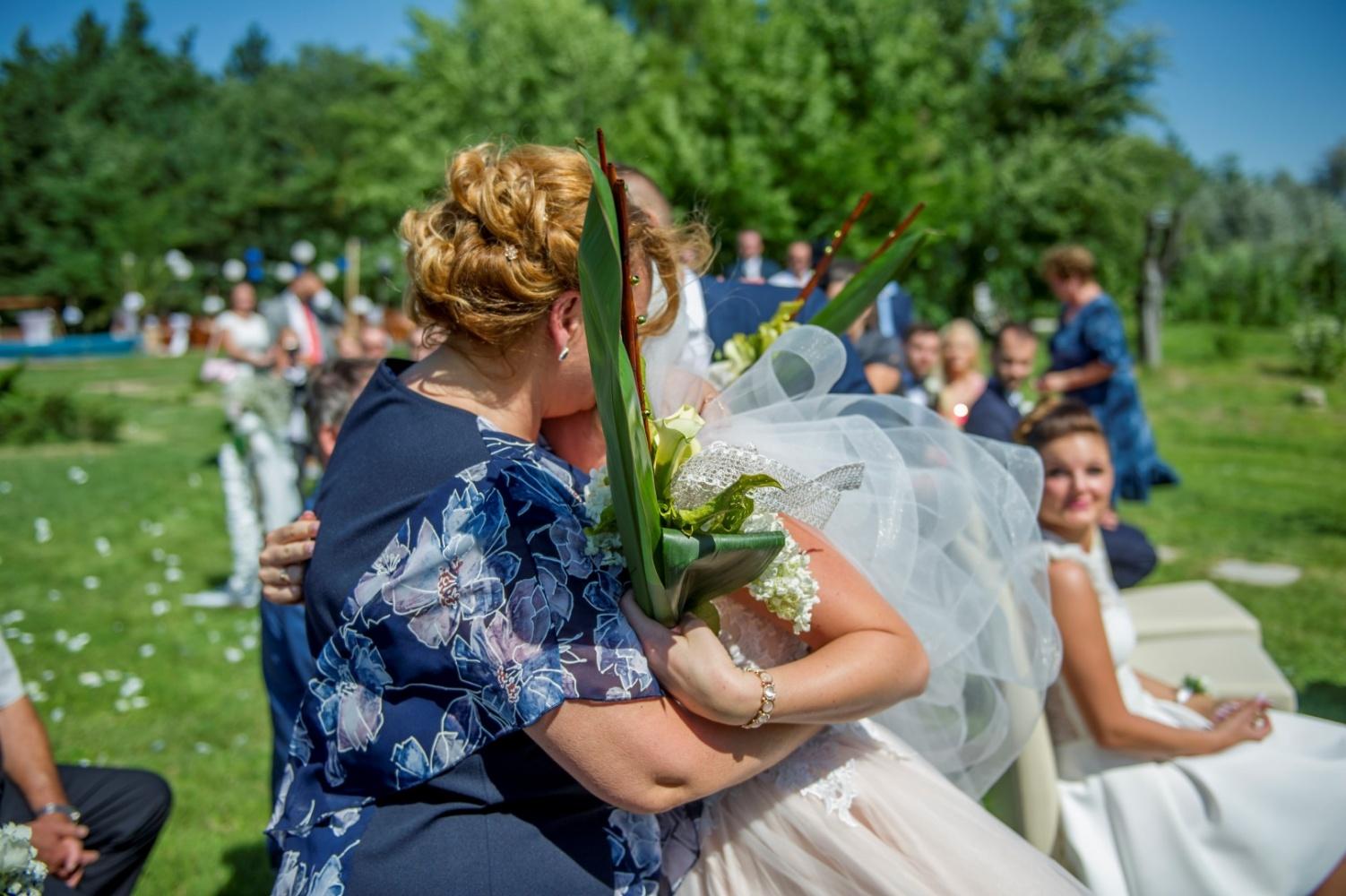 http://www.fotoz.sk/images/gallery-22/normal/eskuvoi-fotos_svadobny-fotograf_401.jpg