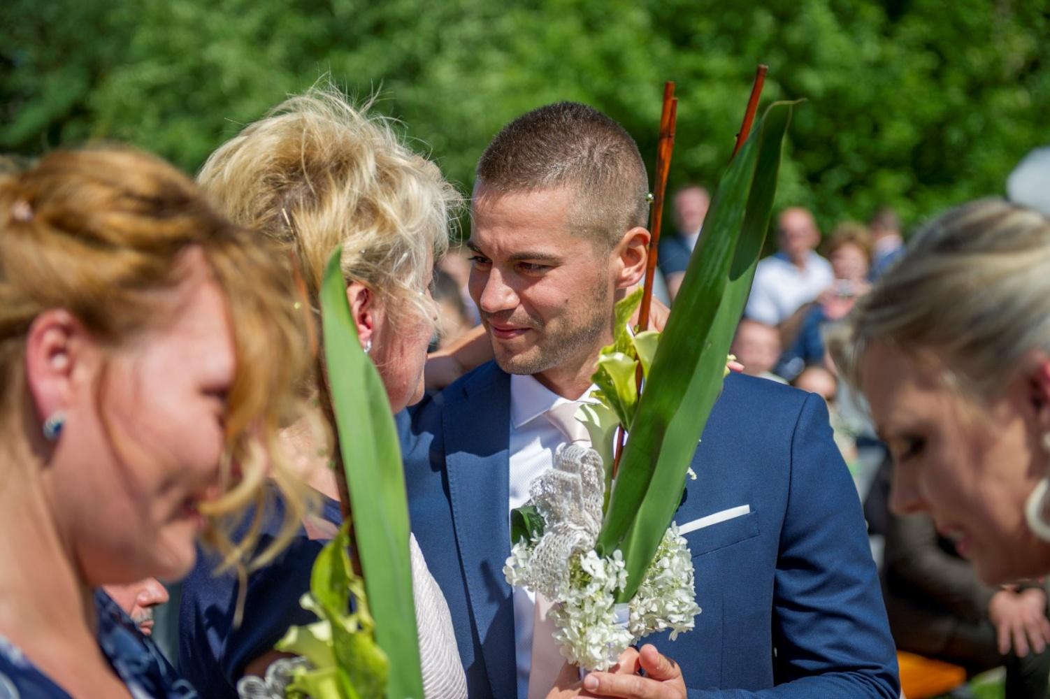 http://www.fotoz.sk/images/gallery-22/normal/eskuvoi-fotos_svadobny-fotograf_403.jpg