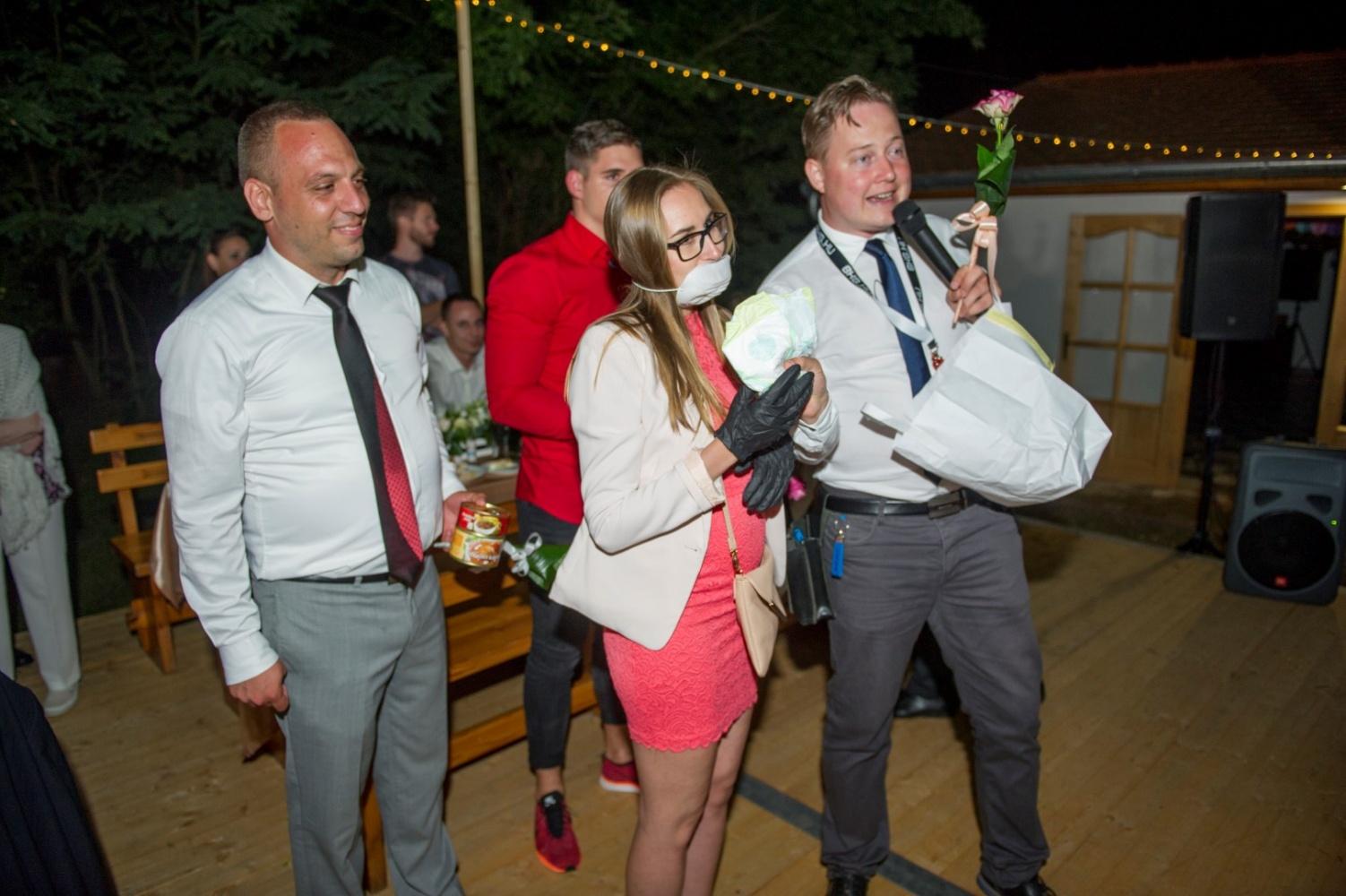 http://www.fotoz.sk/images/gallery-22/normal/eskuvoi-fotos_svadobny-fotograf_651.jpg