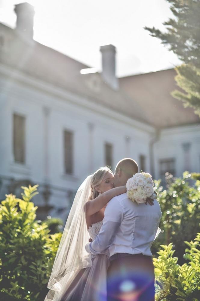 http://www.fotoz.sk/images/gallery-22/normal/eskuvoi-fotos_svadobny-fotograf_686.jpg