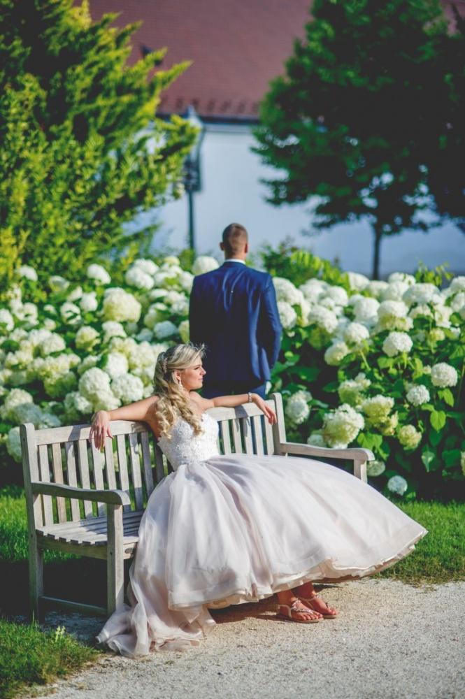 http://www.fotoz.sk/images/gallery-22/normal/eskuvoi-fotos_svadobny-fotograf_687.jpg
