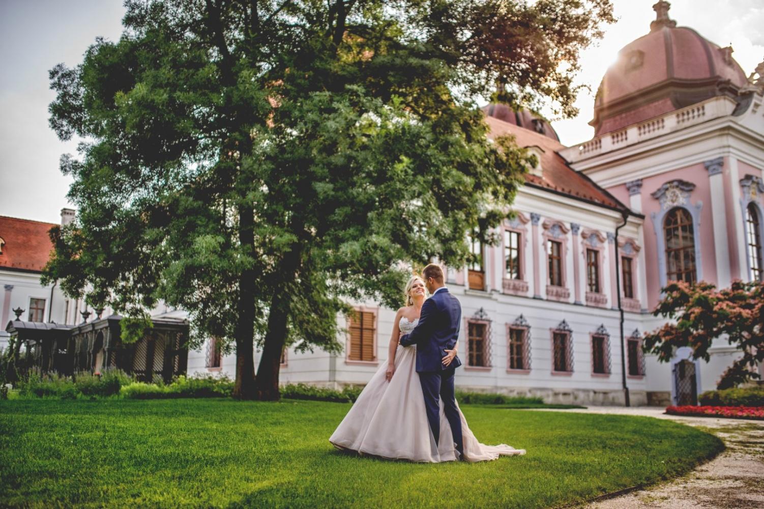 http://www.fotoz.sk/images/gallery-22/normal/eskuvoi-fotos_svadobny-fotograf_705.jpg