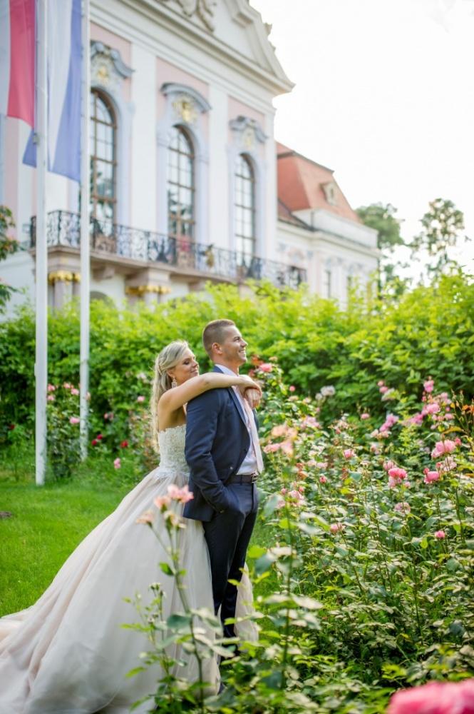 http://www.fotoz.sk/images/gallery-22/normal/eskuvoi-fotos_svadobny-fotograf_721.jpg