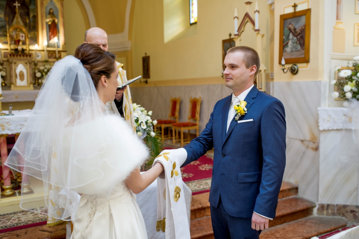 http://www.fotoz.sk/images/gallery-23/normal/svadba-_sv_petrus-vini_048.jpg