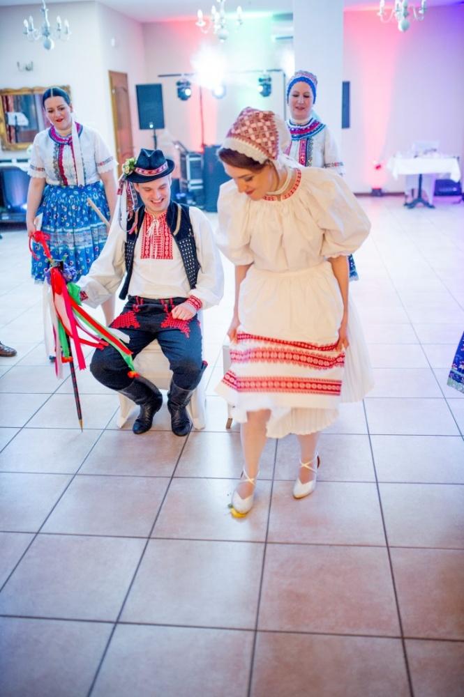 http://www.fotoz.sk/images/gallery-23/normal/svadba-_sv_petrus-vini_179.jpg