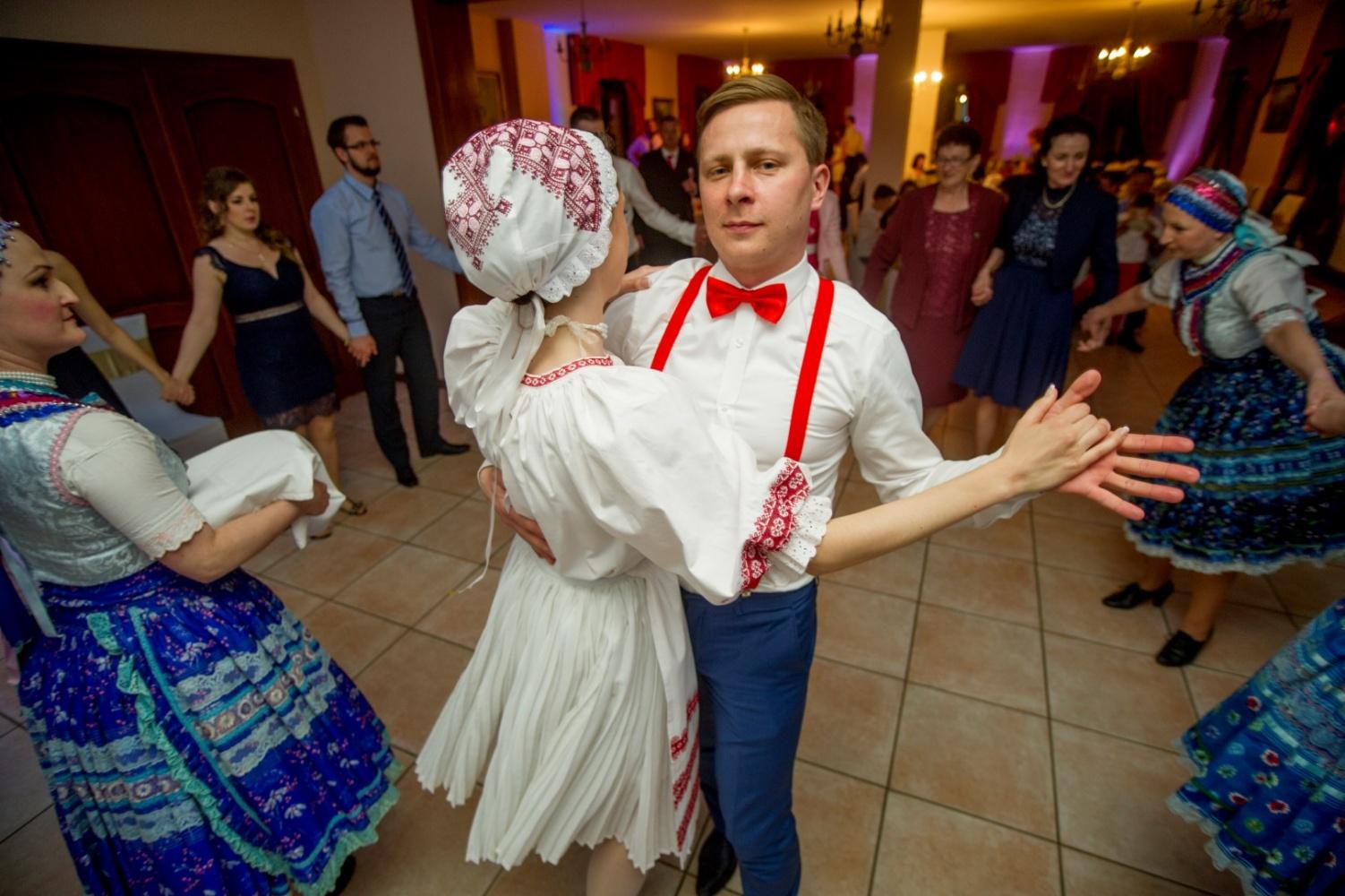 http://www.fotoz.sk/images/gallery-23/normal/svadba-_sv_petrus-vini_182.jpg