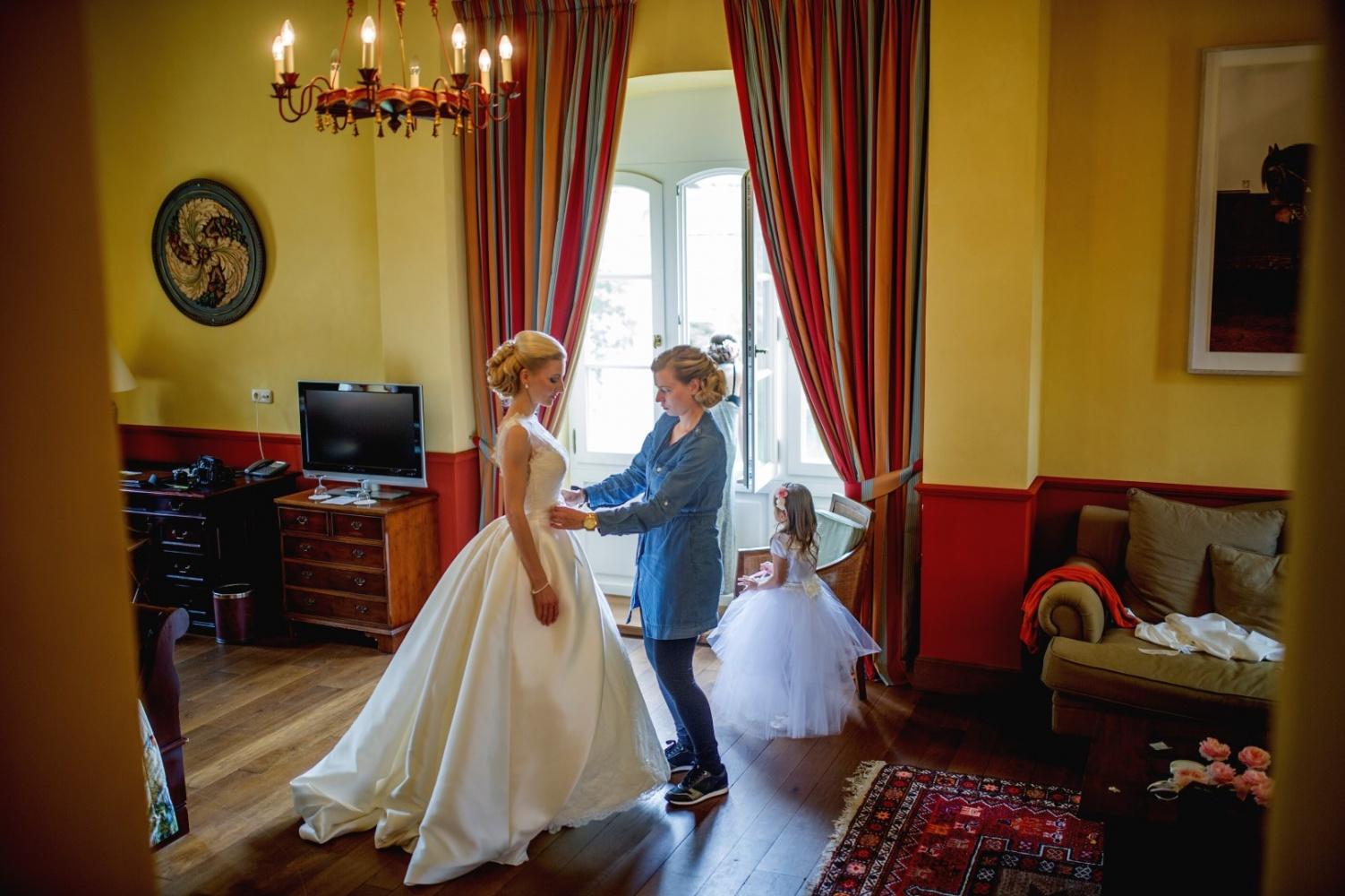 http://www.fotoz.sk/images/gallery-26/normal/svadba_hotel-chateau-bela_033.jpg