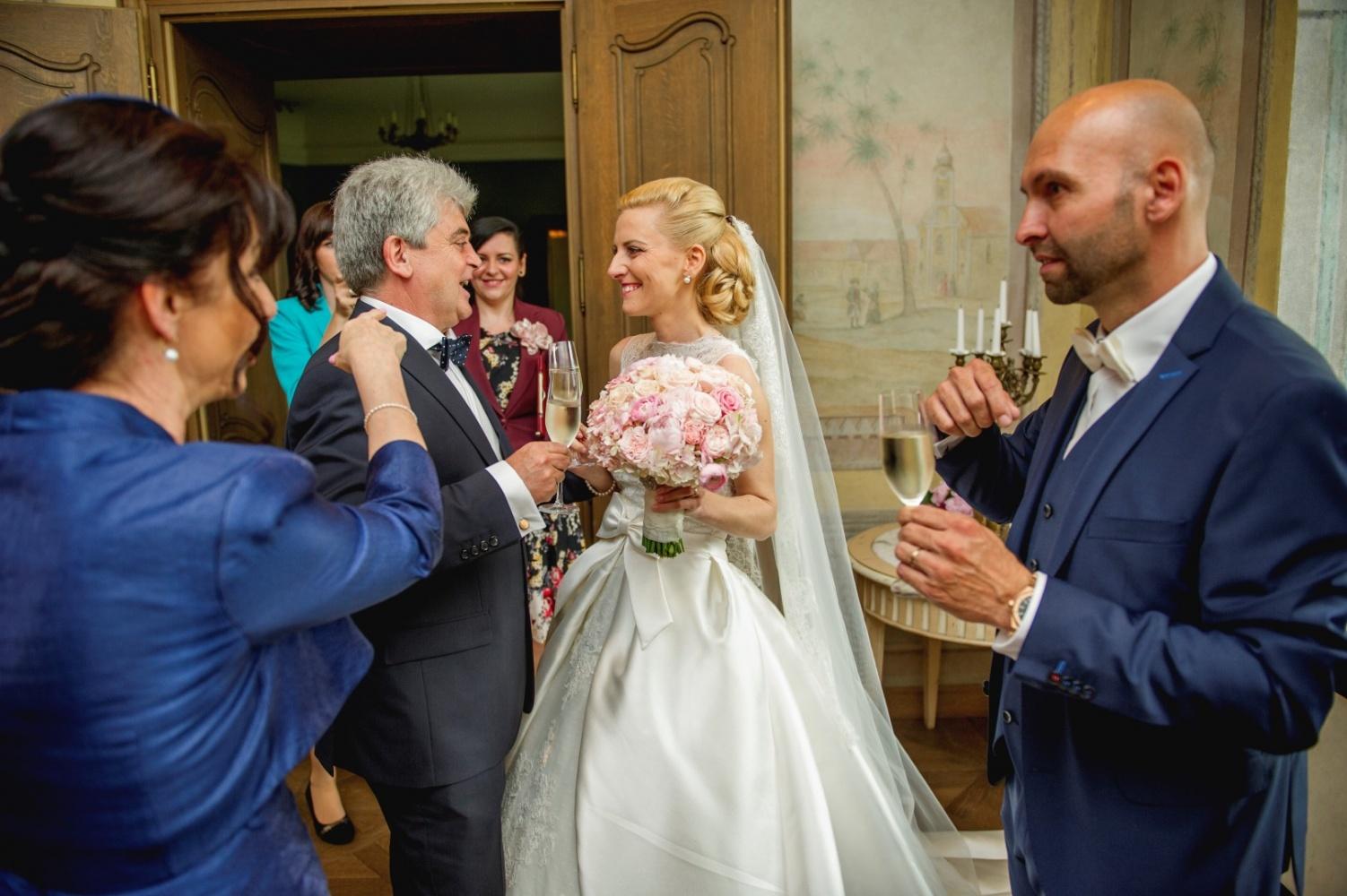 http://www.fotoz.sk/images/gallery-26/normal/svadba_hotel-chateau-bela_095.jpg
