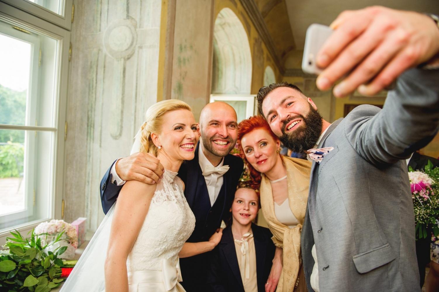 http://www.fotoz.sk/images/gallery-26/normal/svadba_hotel-chateau-bela_098.jpg