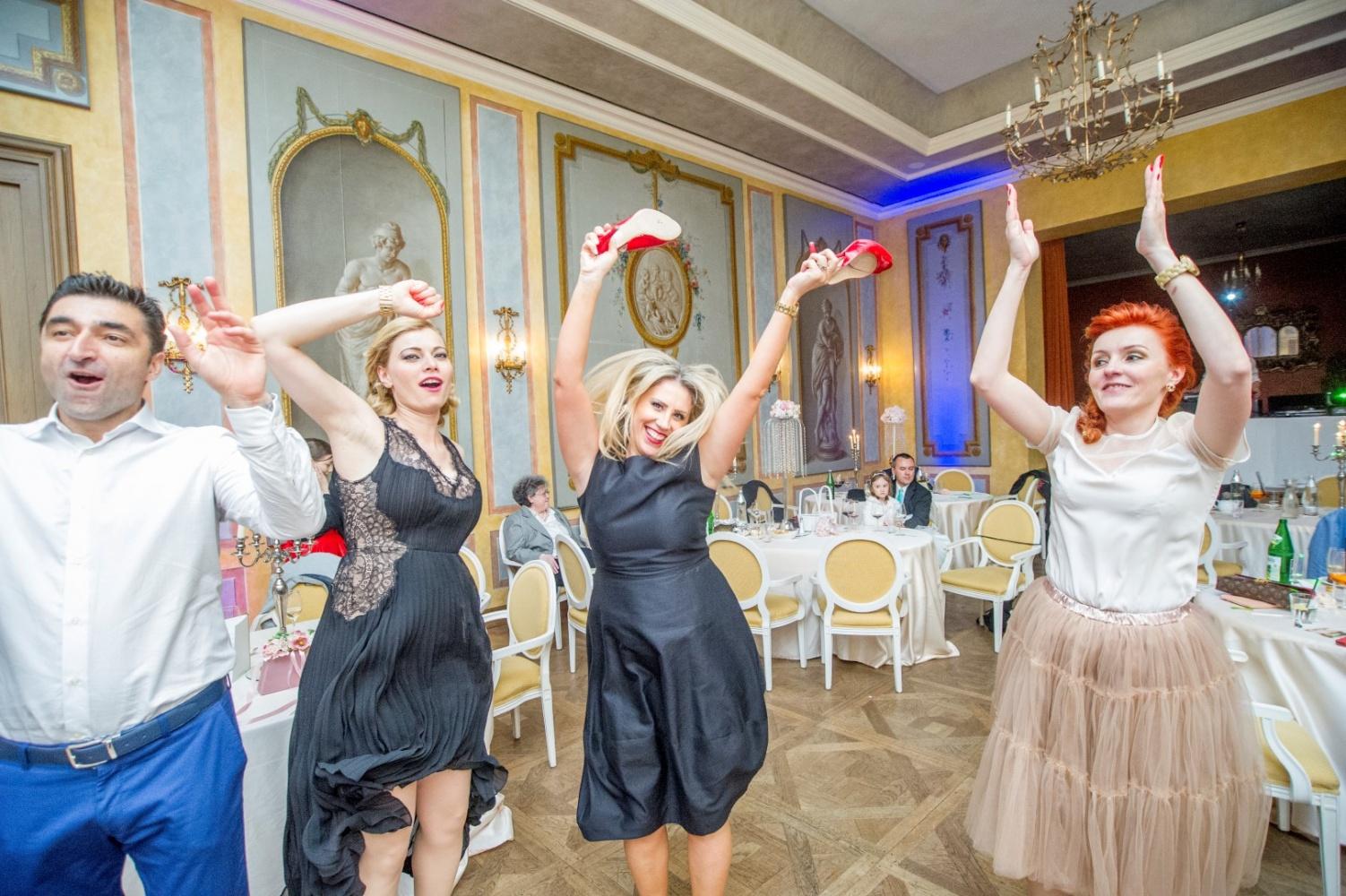 http://www.fotoz.sk/images/gallery-26/normal/svadba_hotel-chateau-bela_168.jpg