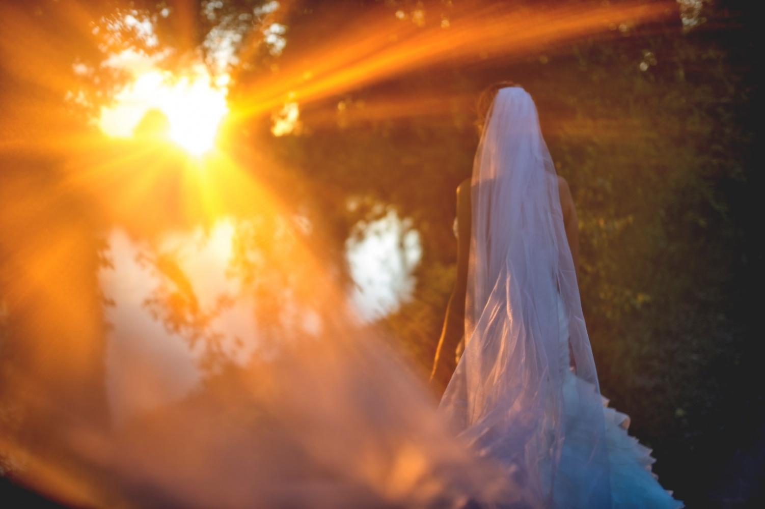 http://www.fotoz.sk/images/gallery-29/normal/eskuvo_vintop-karko_001.jpg