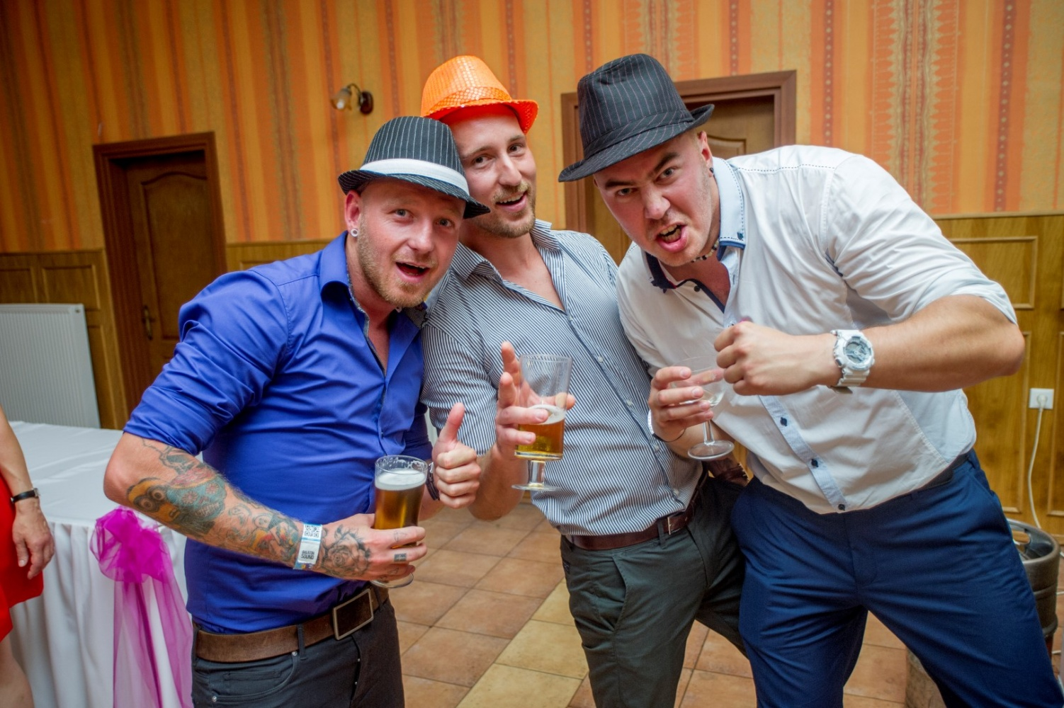 http://www.fotoz.sk/images/gallery-29/normal/eskuvo_vintop-karko_233.jpg