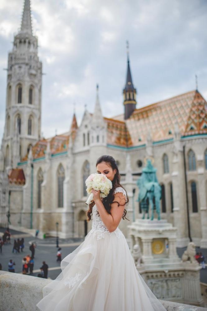 http://www.fotoz.sk/images/gallery-31/normal/eskuvo_dunaharaszti-rendezvenyhaz_015.jpg