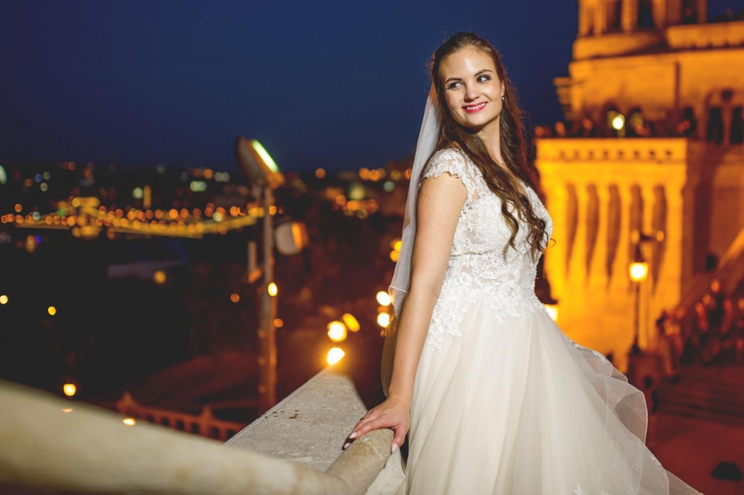 http://www.fotoz.sk/images/gallery-31/normal/eskuvo_dunaharaszti-rendezvenyhaz_035.jpg