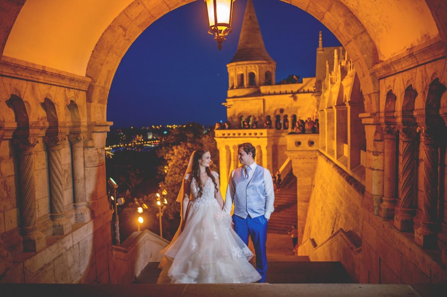 http://www.fotoz.sk/images/gallery-31/normal/eskuvo_dunaharaszti-rendezvenyhaz_056.jpg