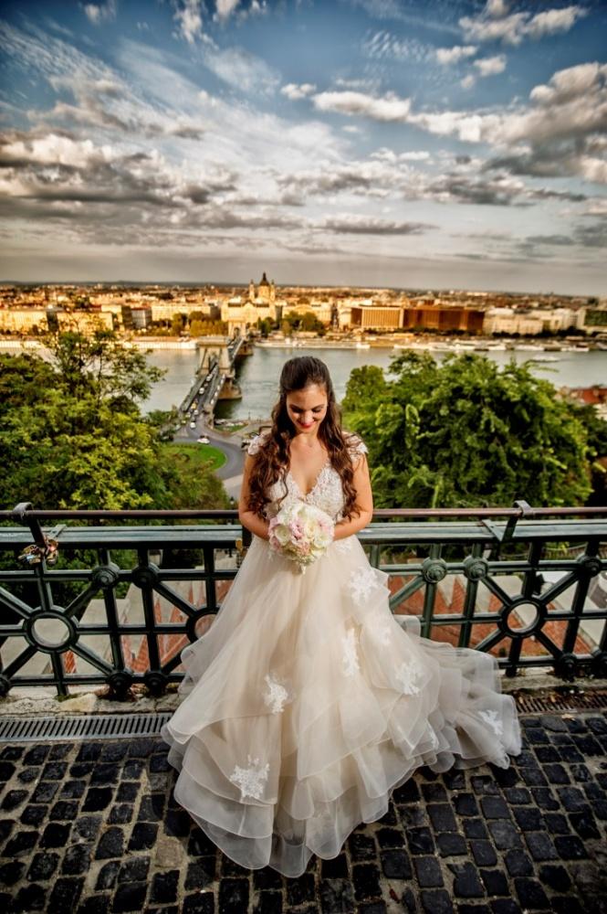 http://www.fotoz.sk/images/gallery-31/normal/eskuvo_dunaharaszti-rendezvenyhaz_060.jpg