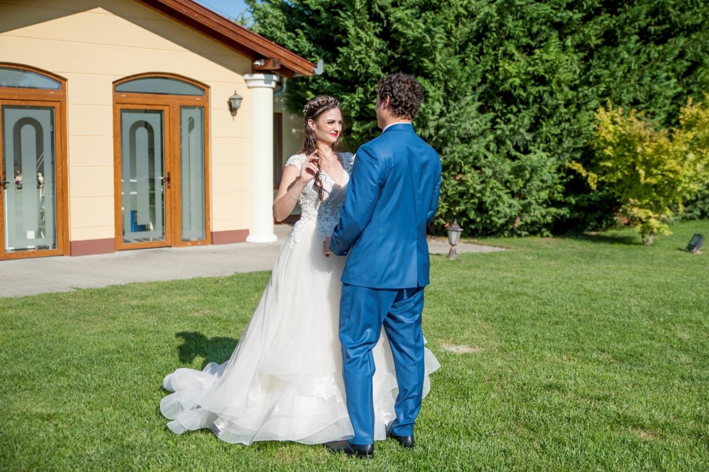 http://www.fotoz.sk/images/gallery-31/normal/eskuvo_dunaharaszti-rendezvenyhaz_178.jpg