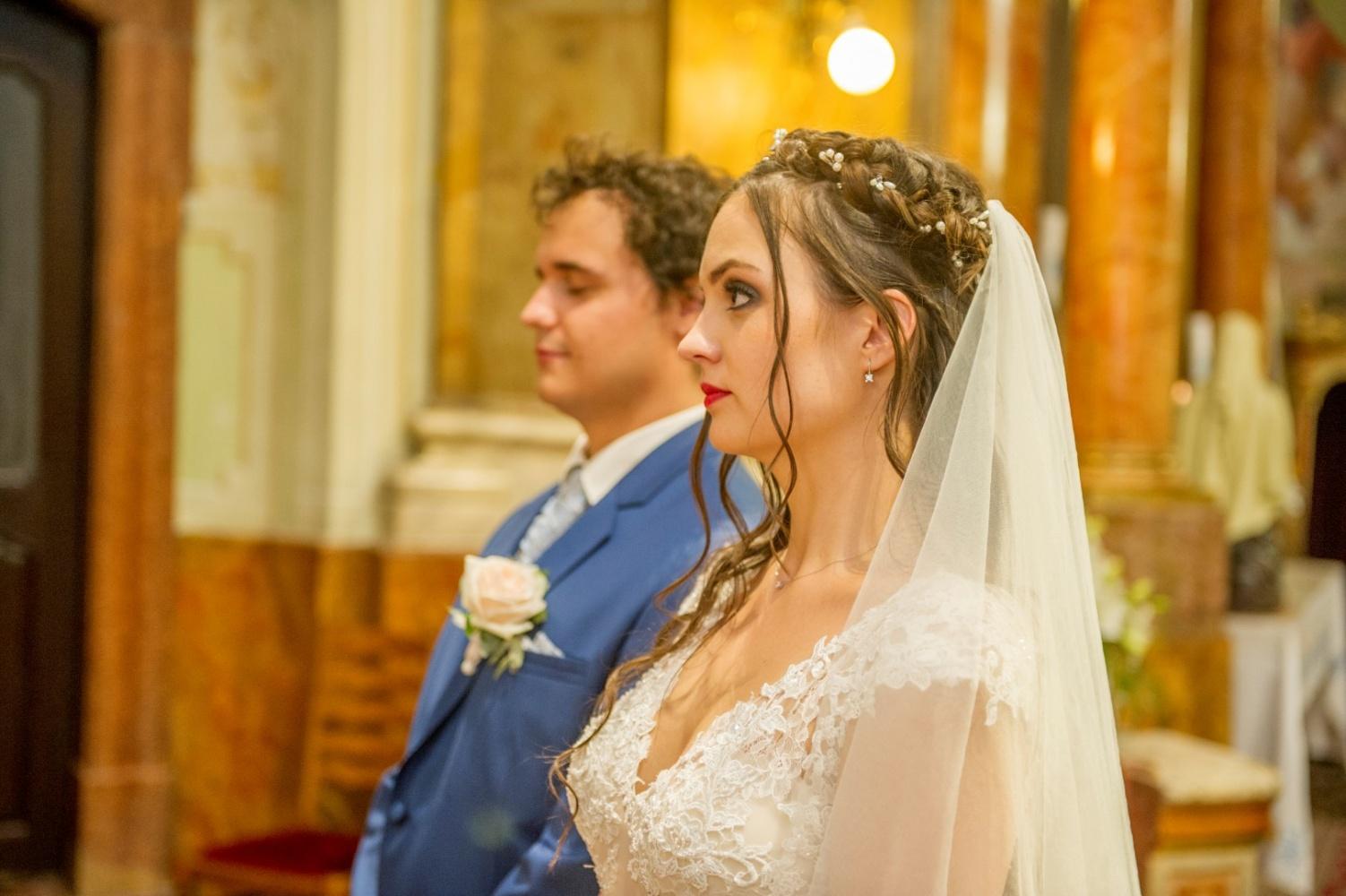 http://www.fotoz.sk/images/gallery-31/normal/eskuvo_dunaharaszti-rendezvenyhaz_254.jpg