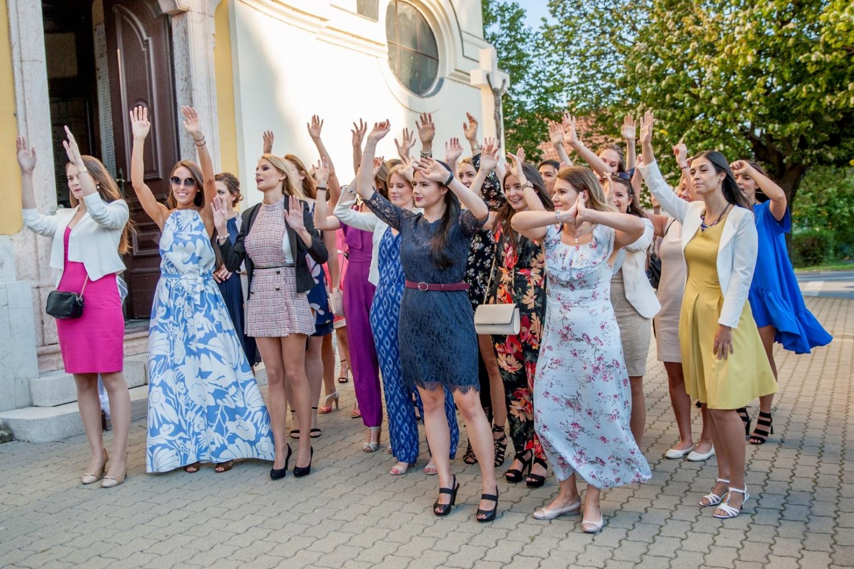 http://www.fotoz.sk/images/gallery-31/normal/eskuvo_dunaharaszti-rendezvenyhaz_346.jpg