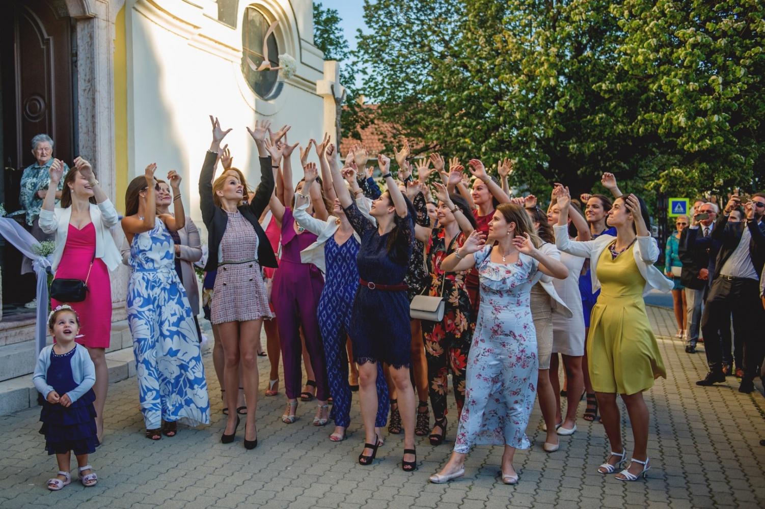 http://www.fotoz.sk/images/gallery-31/normal/eskuvo_dunaharaszti-rendezvenyhaz_347.jpg