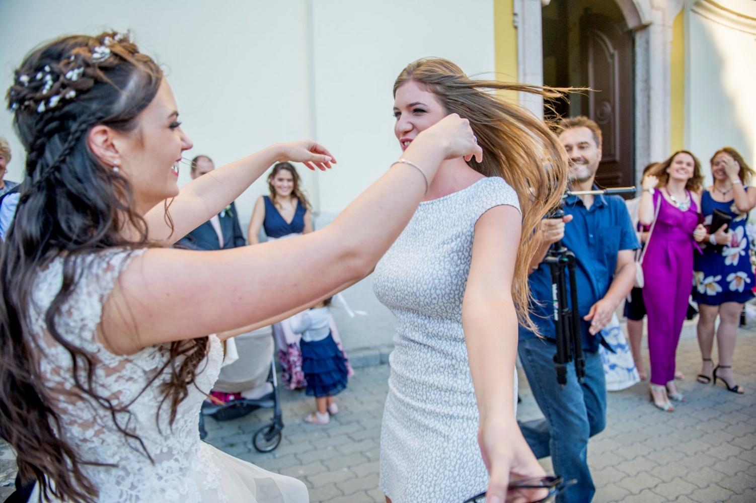 http://www.fotoz.sk/images/gallery-31/normal/eskuvo_dunaharaszti-rendezvenyhaz_351.jpg