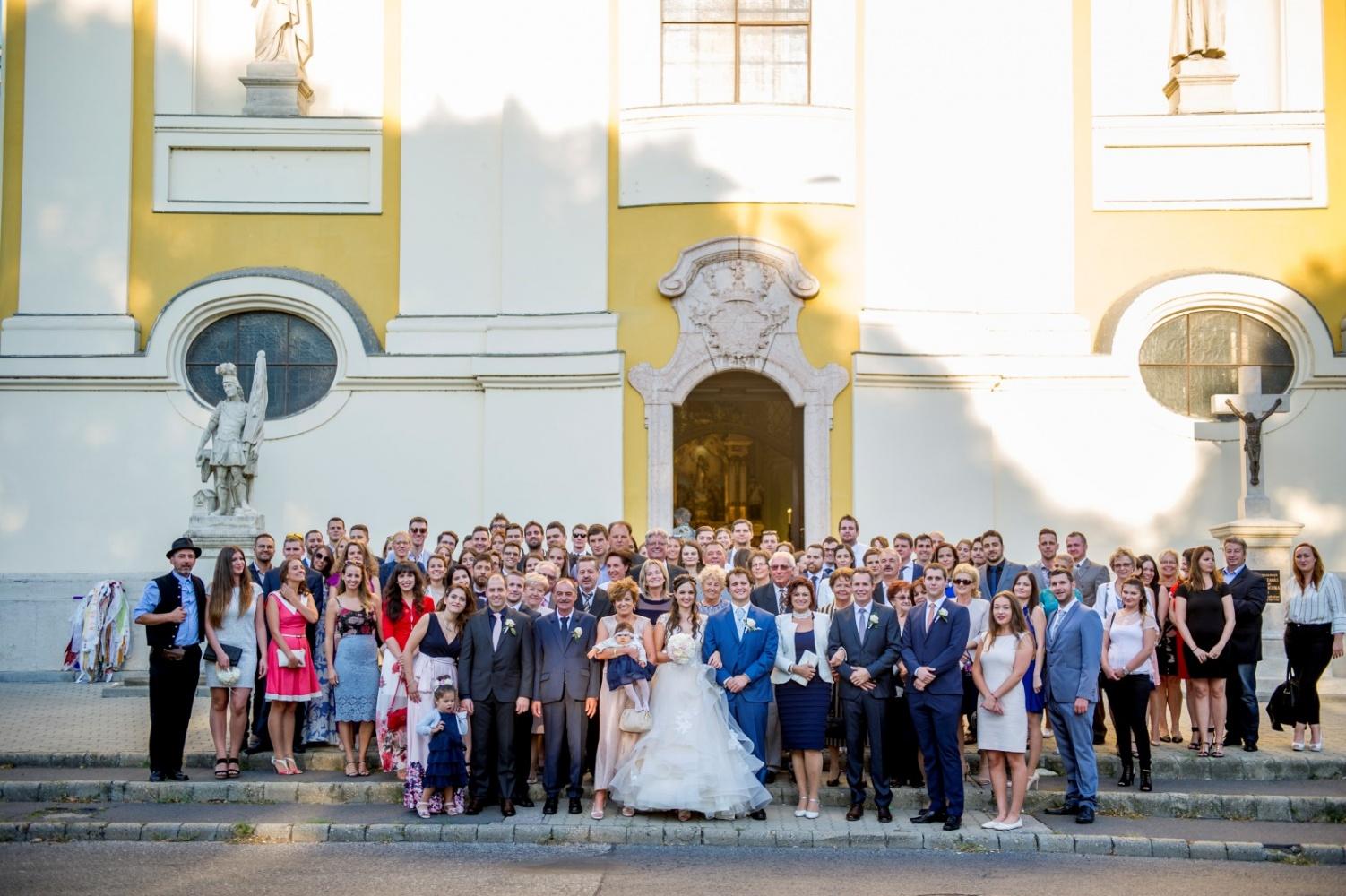 http://www.fotoz.sk/images/gallery-31/normal/eskuvo_dunaharaszti-rendezvenyhaz_354.jpg