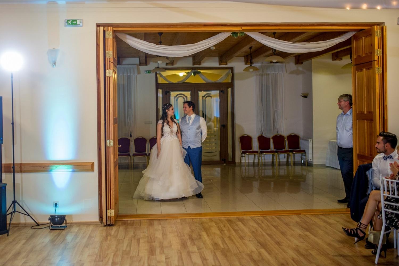 http://www.fotoz.sk/images/gallery-31/normal/eskuvo_dunaharaszti-rendezvenyhaz_510.jpg